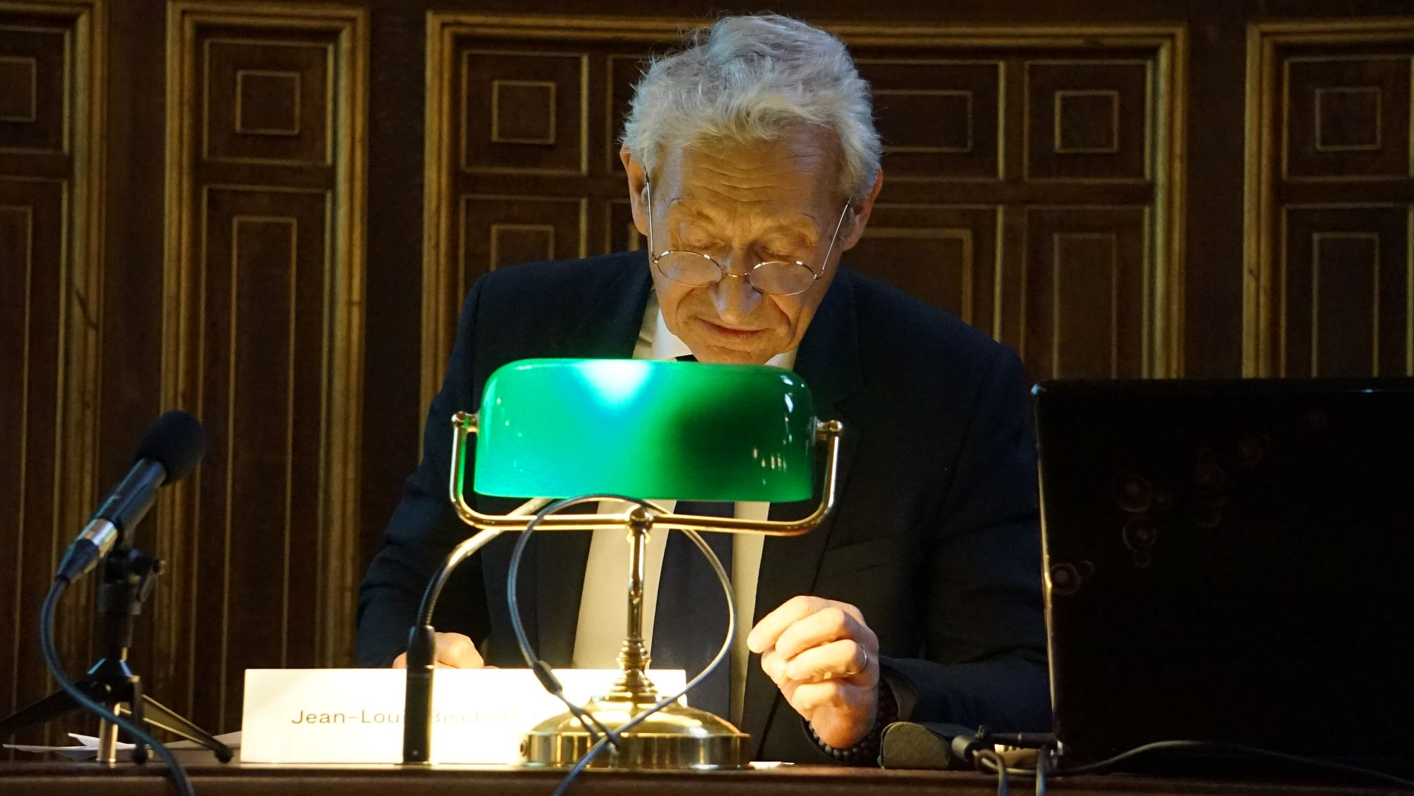Politique et jeu dans les Pensées de Pascal - Lecture cailloisienne de la politique pascalienne